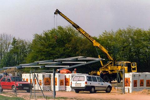 Neues Bürogebäude und Lagerhalle